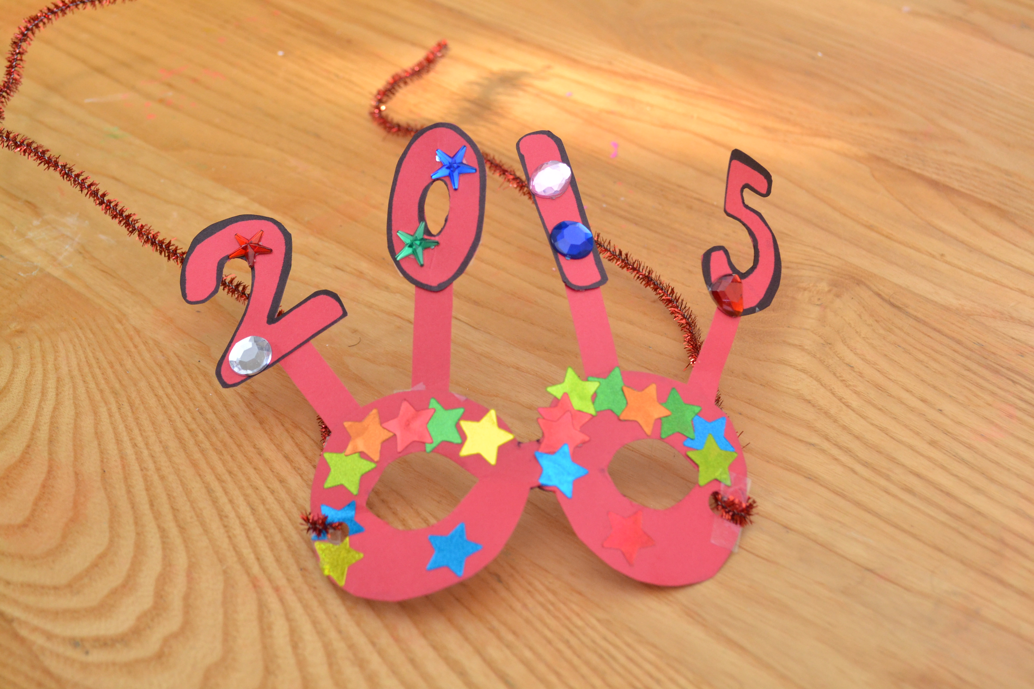 5 easy new years crafts for kids for Simply crafts